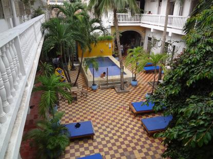 Der Schnorchelausflug Zu Den Islas Rosario Lohnt Sich Sehr. Mit Dem  Schnellboot Geht Es Rasant übers Wasser. Im Hintergrund Wieder Die  Hochhäuser Von Boca ...